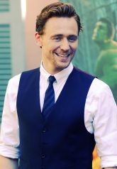 Tom_Hiddleston blauw